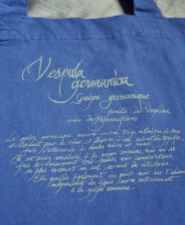 5-bag-vespula-blue_back-detail