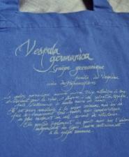 5-bag-vespula-blue_back-detail