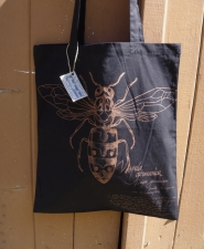 bag-vespula-black_full